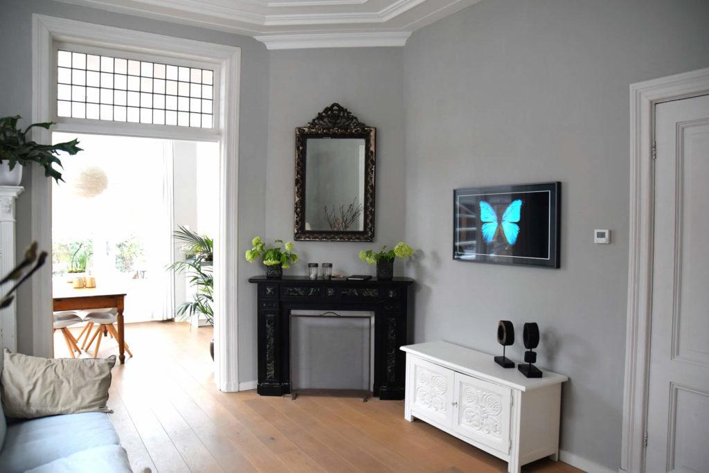 Interieurs met kleur op de muur